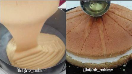 Ripieno goloso tra due dischi soffici di pan di Spagna: una torta farcita da leccarsi i baffi