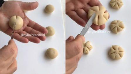 Preme il coltello sulla pasta frolla: un trucchetto semplice per una bellissima decorazione