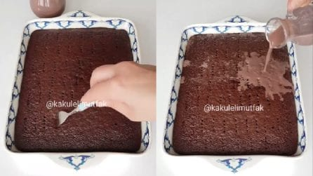 Buca la torta e poi versa latte e cacao: un segreto per ottenerla ancora più buona