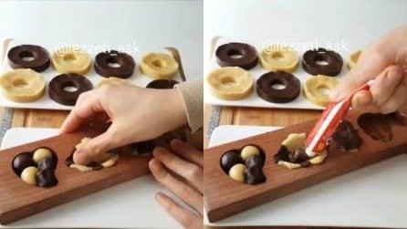 Schiaccia la pasta frolla nello stampo e prepara golosissimi biscotti
