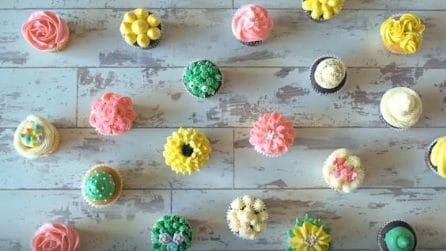 Creme colorate: ecco come decorare i cupcakes