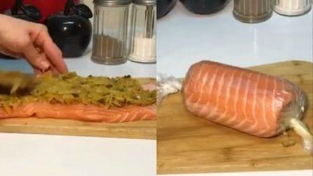 Farcisce il salmone e lo arrotola: un piatto che conquisterà tutti