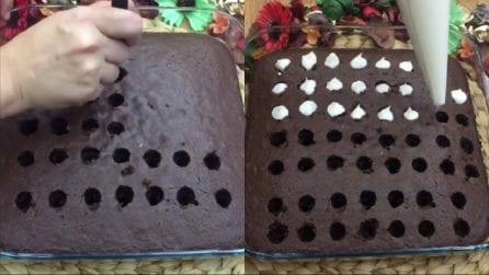 Riempie i buchi sulla torta con la panna: un trucchetto per renderla ancora più golosa