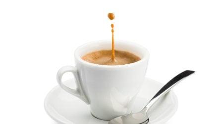 Schiuma del caffè come al bar: il metodo per farla a casa
