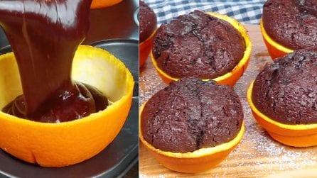 Versa l'impasto nell'arancia: la torta gustosa e originale