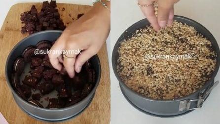 Torta senza cottura con cioccolato e noccioline: un dessert dal sapore unico