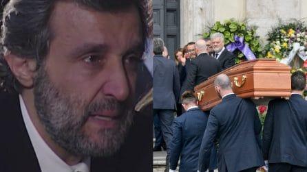 La toccante poesia per Fabrizio Frizzi letta da Flavio Insinna ai funerali
