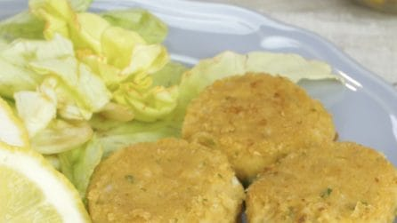 Falafel: blend the chickpeas to make these delicious falafel balls!