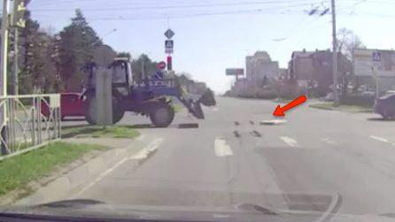 Un'efficienza senza paragoni: ecco come puliscono le strade in Russia