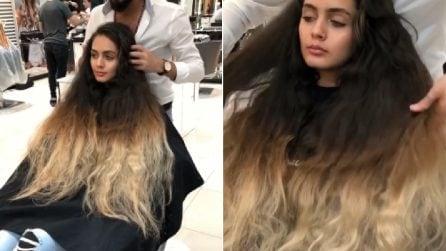 Dopo anni va dal parrucchiere: in pochi minuti, la sorprendente trasformazione
