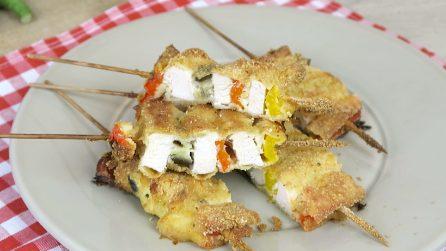 Spiedini di pollo e verdure: ecco il trucchetto per prepararli in 5 minuti!