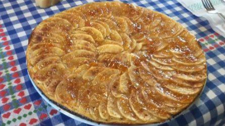 Pizza di mele con marmellata: una vera delizia per il palato
