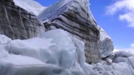 L'enorme ghiacciaio nasconde una sorpresa mozzafiato: uno spettacolo unico al mondo