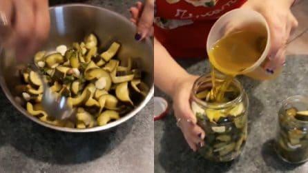 Zucchine sott'olio: un contorno pronto e squisito