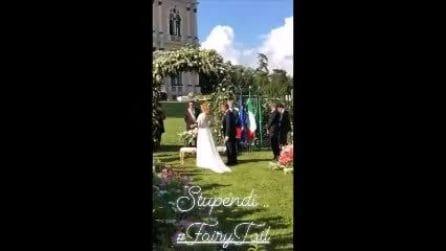 Nozze Daniele Bossari e Filippa Lagerback, l'arrivo della sposa filmato da Luca Onestini