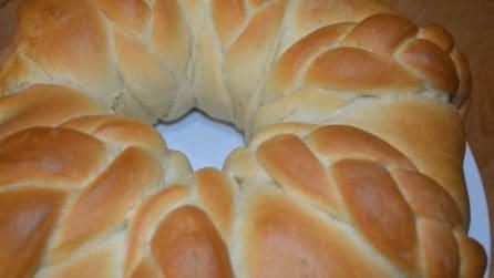 Ciambella di pan brioche intrecciato: una ricetta semplice da preparare
