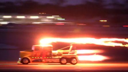 Camion raggiunge più di 500 km/h: le incredibili immagini