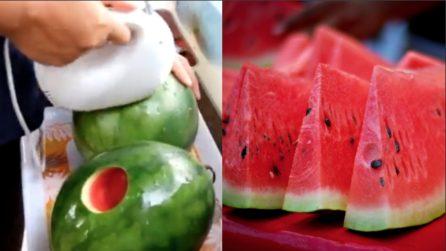 Una bevanda alla frutta: da bere direttamente dall'anguria