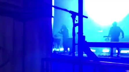 """Liberato canta """"9 maggio"""" al concerto di Milano"""