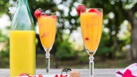 Prosecco And Strawberry Ice Cubes
