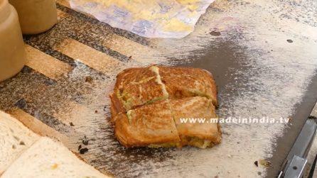"""Il celebre """"masala toast"""": piatto dello street food indiano"""