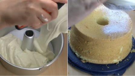 Chiffon cake al limone: la torta alta e morbidissima