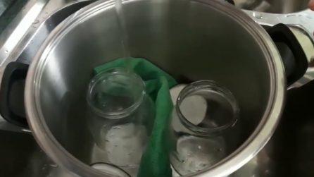 Come sterilizzare i barattoli di vetro: il semplice metodo