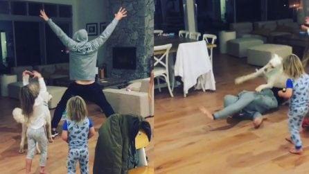 È un divo di Hollywood ma quello che fa con le figlie è da super papà