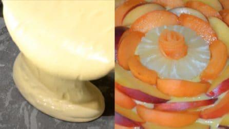 Torta estiva con vortice di frutta: buonissima, fresca e colorata