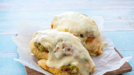 Guacamole Chicken Melt: a quick recipe for a tasty meal!