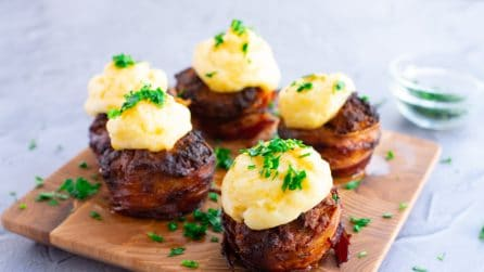 Bacon Wrapped Meatloaf Cupcakes: fun, easy and tasty!