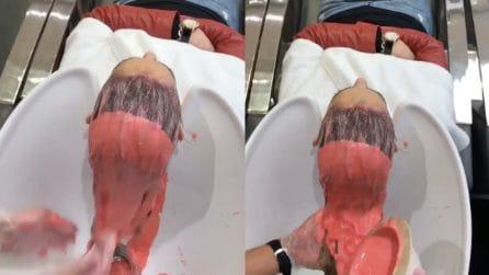 Le tinge di rosa i capelli: il risultato è incredibile