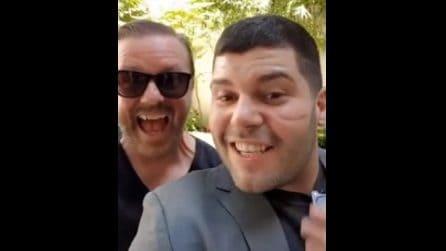 Salvatore Esposito con Ricky Gervais sul set di Gomorra