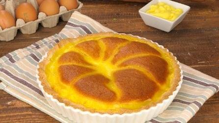 Crostata pan di spagna: ecco come assaggiare due dolci in uno!