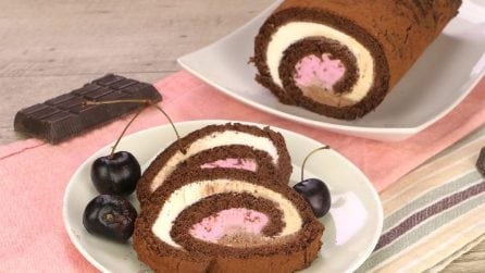 Ice cream roulade: a perfect dessert for those hot summer night dinners!