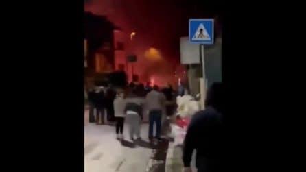 Botti di Capodanno, incendi e feriti nel Napoletano