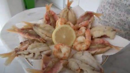 Frittura di triglie e gamberoni: la ricetta per un piatto croccante e saporito
