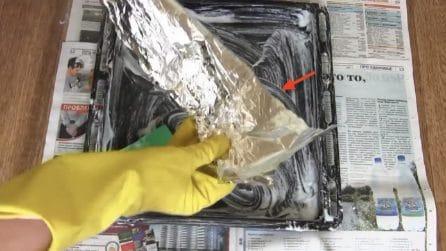 Come pulire e sgrassare la teglia del forno