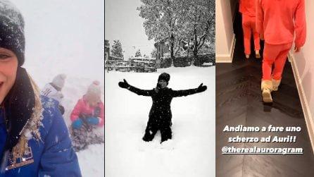 Michelle Hunziker si diverte sulla neve con le figlie, poi il brutto scherzo ad Aurora che sta dormendo