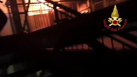Incendio nella notte in una scuola a Milano, istituto inagibile