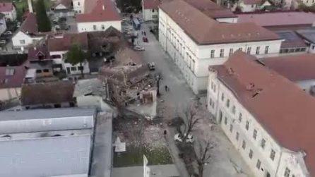 Petrinja, una città semidistrutta dal terremoto: le immagini dall'alto