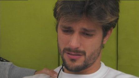 """GF Vip, Andrea Zelletta in lacrime: """"Non sapevo del chiacchiericcio su Natalia Paragoni"""""""