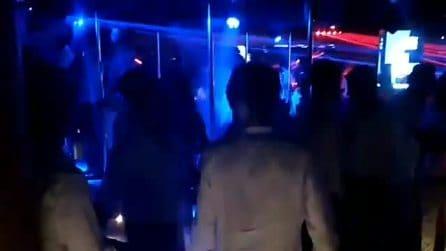 I video dal Billionaire ad agosto, decine in discoteca senza distanziamento e mascherine