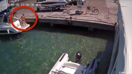 Ponza, il momento dell'esplosione della barca: donna a bordo salta in aria