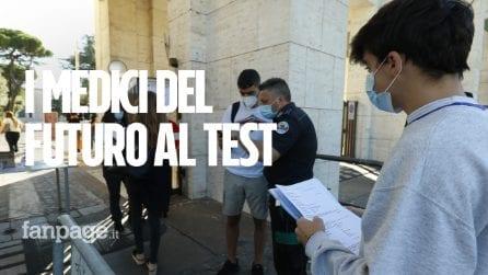 """Test d'ingresso a Medicina, 3mila posti in più. Gli studenti: """"Speriamo di entrare"""""""