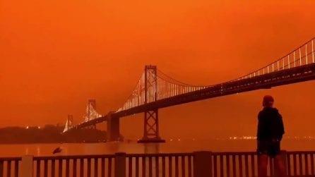 Devastanti incendi bruciano la California: San Francisco avvolta da una coltre rosso fuoco