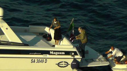 Covid-19, De Laurentiis e la moglie lasciano Capri in motoscafo