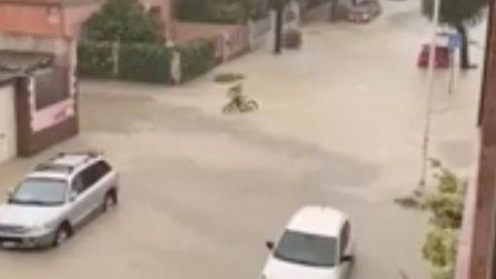 Cagliari, violento nubifragio: strade completamente allagate