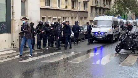 Parigi, attacco nei pressi della vecchia redazione di Charlie Hebdo