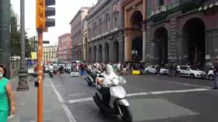 Proteste dei disoccupati, barricate coi bidoni al Museo: il traffico impazzisce